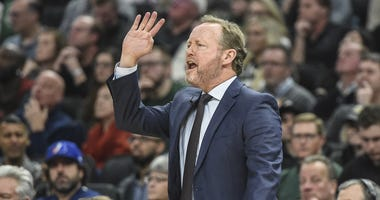 Bucks head coach Mike Budenholzer
