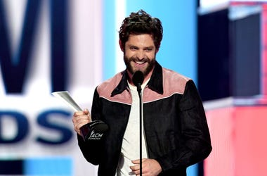 Thomas Rhett accepts the Male Artist of the Year award onstage during the 54th Academy Of Country Music Awards at MGM Grand Garden Arena on April 07, 2019 in Las Vegas, Nevada