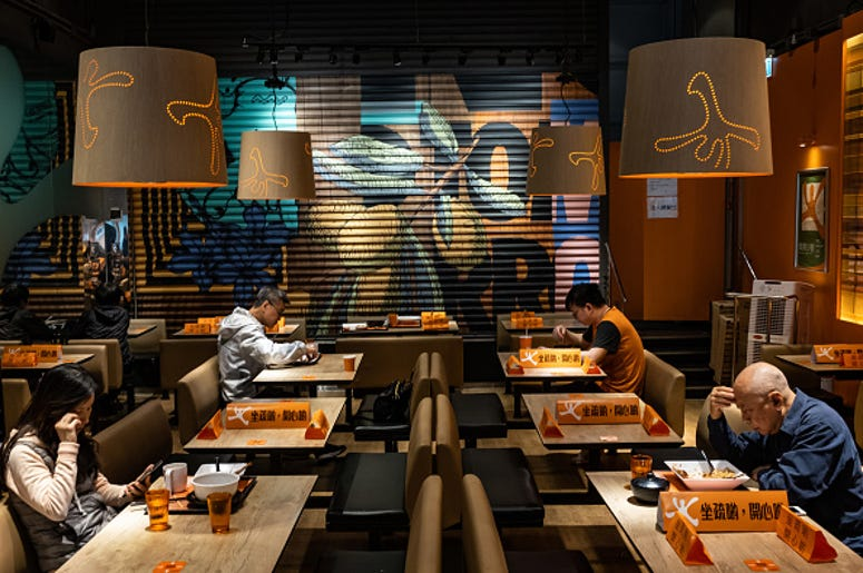 restaurant social distancing