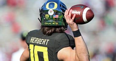 Justin Herbert, Oregon Ducks, NFL, Cincinnati Bengals