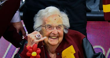Loyola University of Chicago's Sister Jean shows off the NCAA Final Four ring . (AP Photo/Matt Marton)