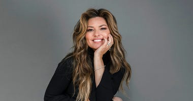 Shania Twain poses for a portrait at her Manhattan hotel, Friday, June 14, 2019, in New York.  (Photo by Christopher Smith/Invision/AP)