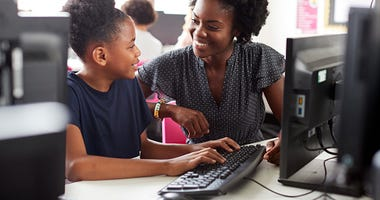 Gov. Northam awards grants for computer science education. ( iStock / Getty Images Plus/ monkeybusinessimages)