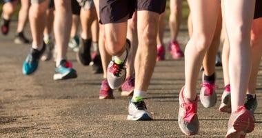 People running 5K