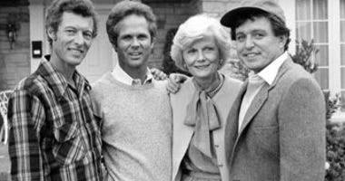 "FILE - This Dec. 10, 1982 file photo shows members of the original cast of the ""Leave It To Beaver,"" from left, Ken Osmond, Tony Dow, Barbara Billingsley and Jerry Mathers. (AP Photo/Wally Fong, File)"