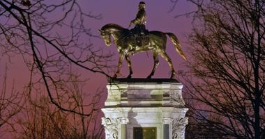 General Robert E. Lee monument in Richmond, Virginia