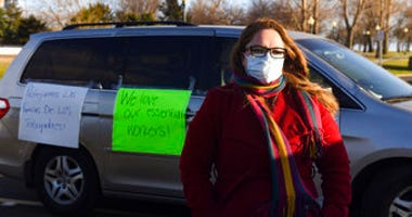 Nancy Reynoza organized a protest in solidarity with Smithfield Food, Inc. employees after many workers complained of unsafe working conditions due to the COVID-19 outbreak in Sioux Falls, S.D. (Erin Bormett/The Argus Leader via AP)
