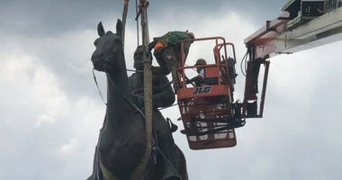 Preparations underway on July 1 to remove the Stonewall Jackson monument on Monument Avenue in Richmond. (Photo Credit: Matt Demlein WRVA)