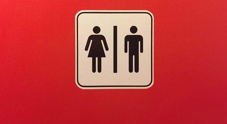 Restroom Sign. Kittisak Soponwongsakorn   Dreamstime.com