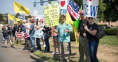 Anti-gun counter protesters
