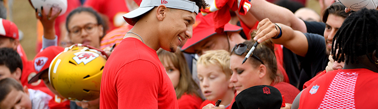 Patrick Mahomes signing autographs at Chiefs mini camp.