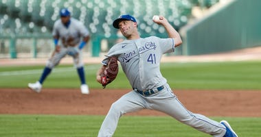 Royals starter Danny Duffy pitches to Detroit