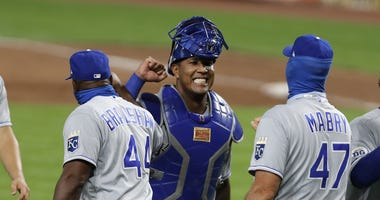 Salvador Perez hat 3 hits and the Royals beat the Reds 5-4 on Wednesday night.