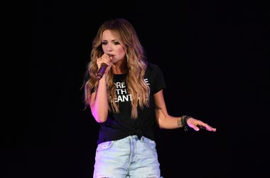 Recording artist Carly Pearce performs at the Coral Sky Smphitheatre