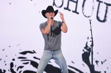 Kenny Chesney - ACM Awards 2016