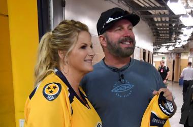 Trisha Yearwood, Garth Brooks at Predators Game 5.22.17