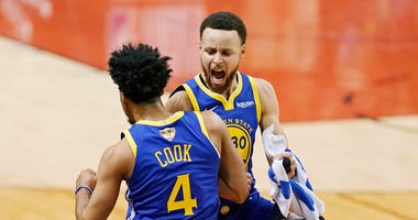Quinn Cook, Stephen Curry