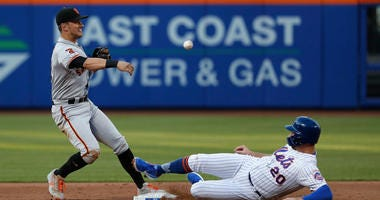 Ex-Giant Panik signs with Mets