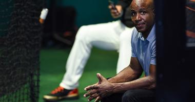 Bonds left out of Baseball Hall of Fame, Derek Jeter and Larry Walker electe
