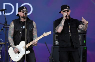 Guitarist Benji Madden (L) and singer Joel Madden of Good Charlotte