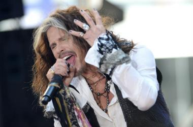 Singer Steven Tyler performs onstage at NBC's 'Today' at Rockefeller Plaza in New York, NY, on June 24, 2016