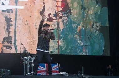 Mike Shinoda performs
