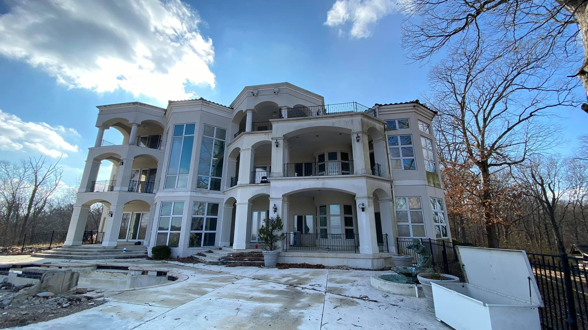 'Needs a ton of work': Nelly's former St. Louis-area home is a real fixer-upper