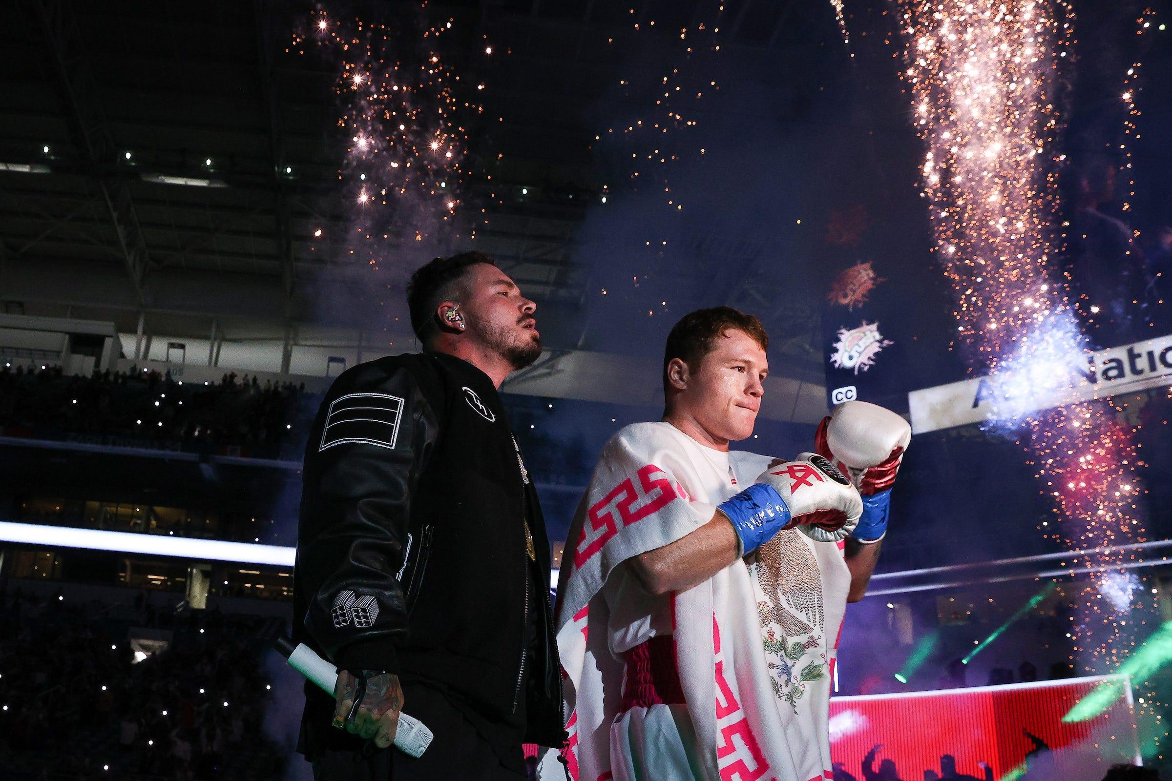 Canelo Alvarez Wins Easily, Miami Hosts Incredible Fight Night