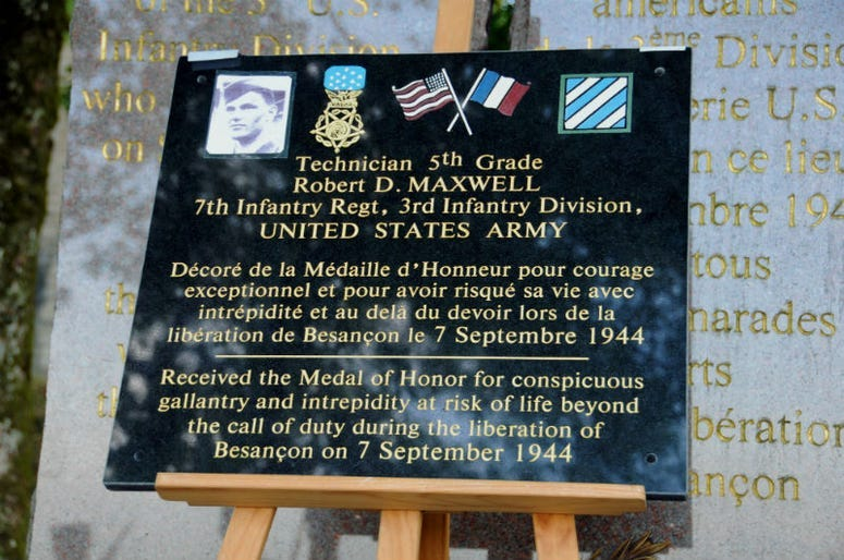 Robert Maxwell, Medal of Honor recipient, has died at 98.