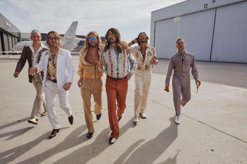 Foo Fighters as The Dee-Gees
