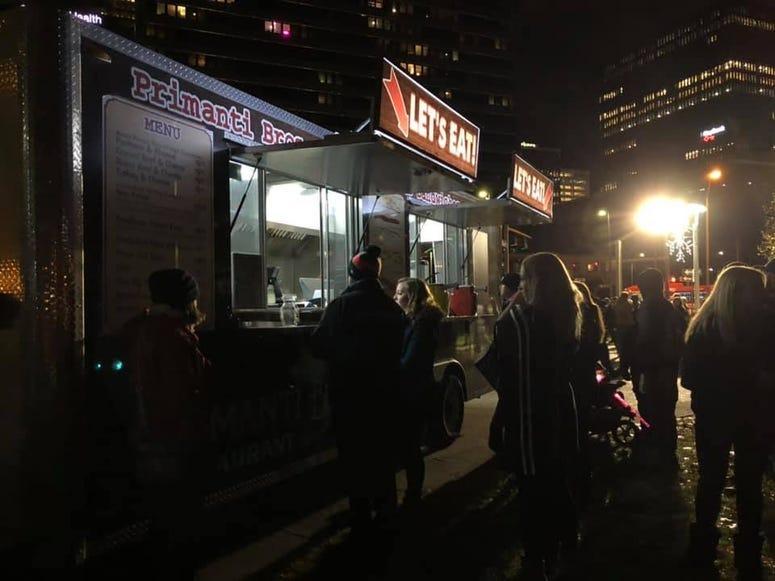 Food Trucks at Santa Spectacular