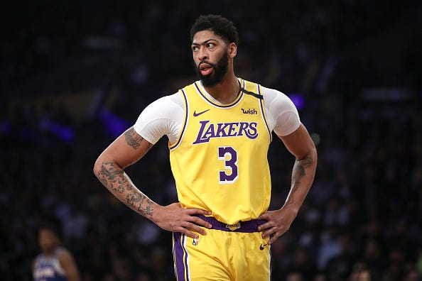 Anthony Davis shoots a glare during a Lakers game.