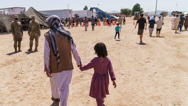 U.S. gives 1st public look inside base housing Afghans