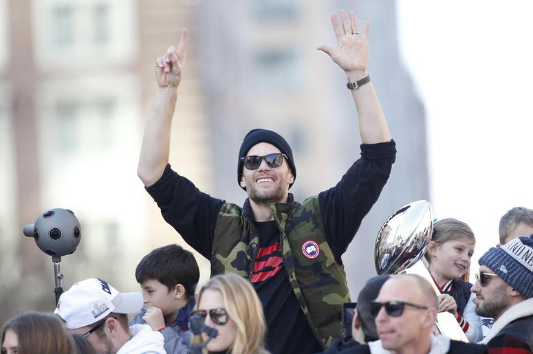 New England Patriots' Tom Brady Charges $1,000 for Autograph