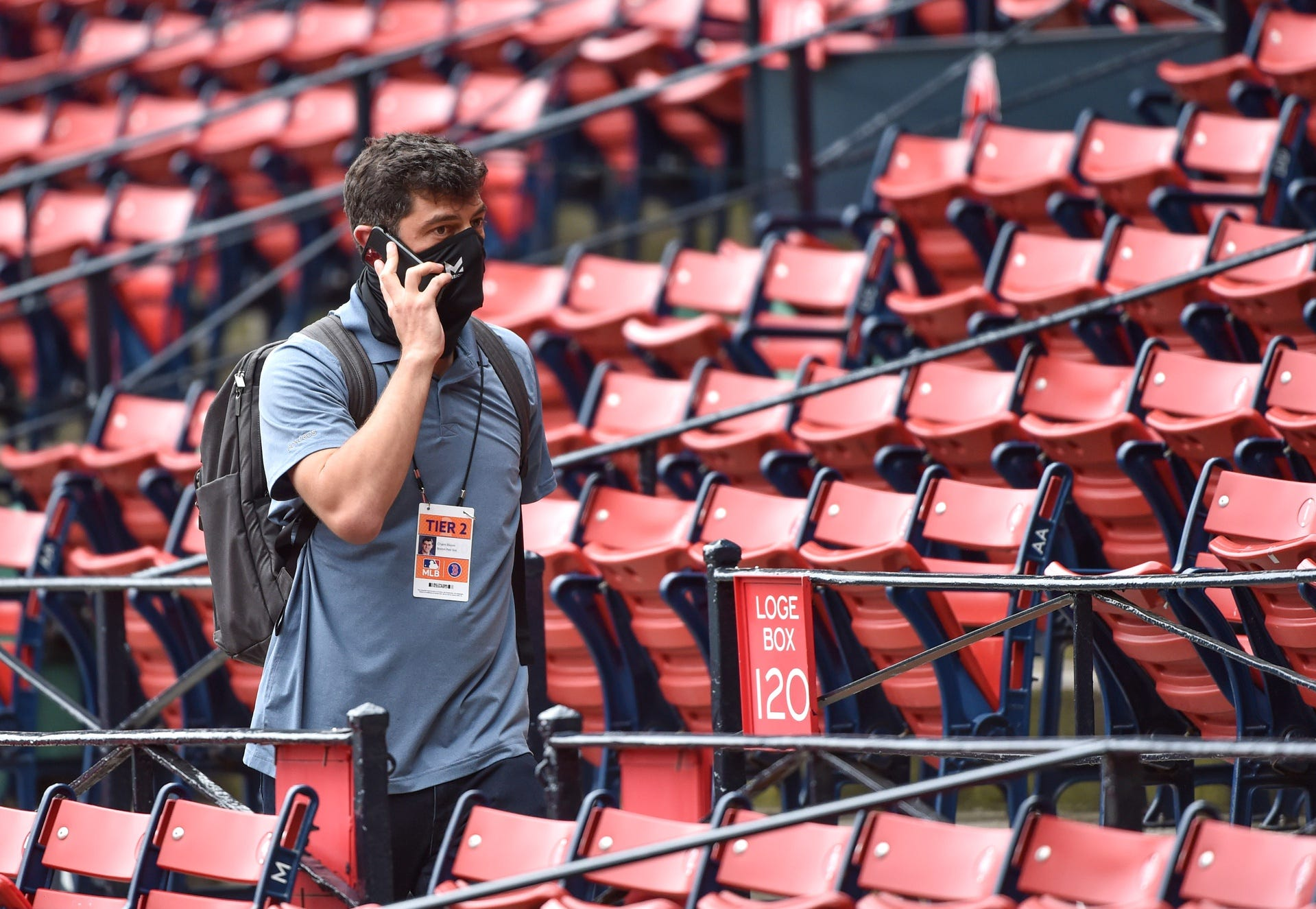 Red Sox' offseason roster wheels start gaining steam
