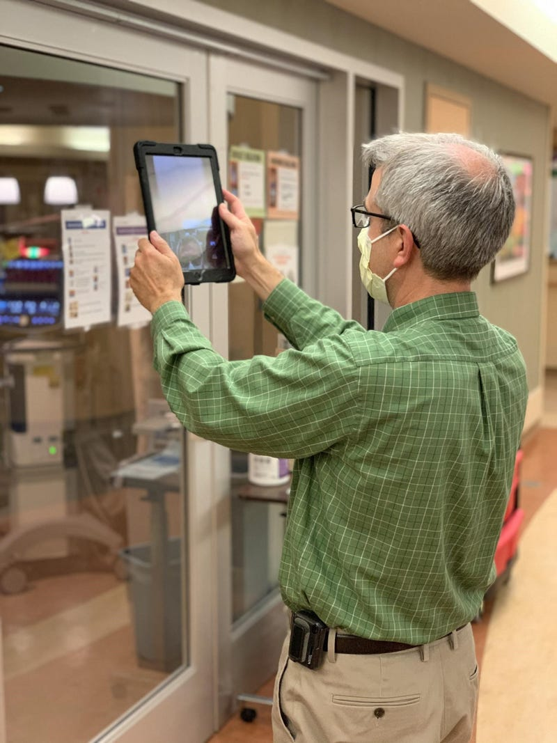 Hospitals turn to 'virtual visiting' as COVID spreads