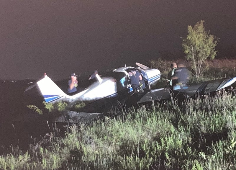 Small plane crash-lands in Denton; two minor injuries reported