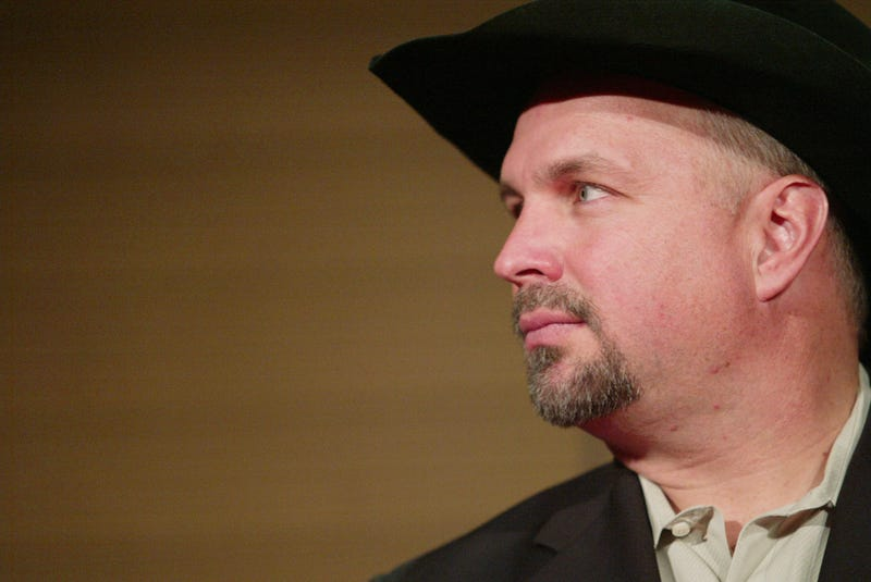 Country singer Garth Brooks attends the opening of The Zone, a therapeutic play and education environment at Mount Sinai Hospital February 7, 2006
