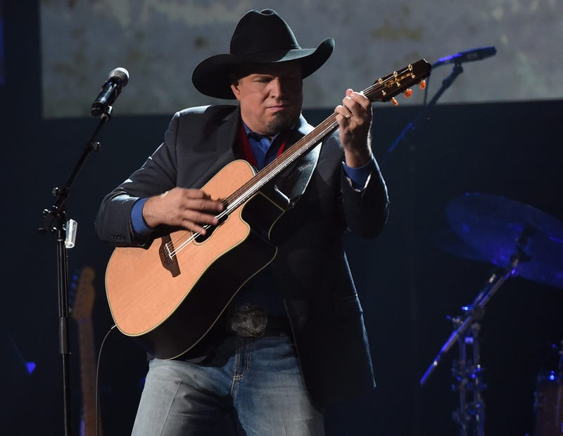 Inductee Garth Brooks performs during the Musicians Hall Of Fame 2016 Induction Ceremony & Show at Nashville Municipal Auditorium on October 26, 2016