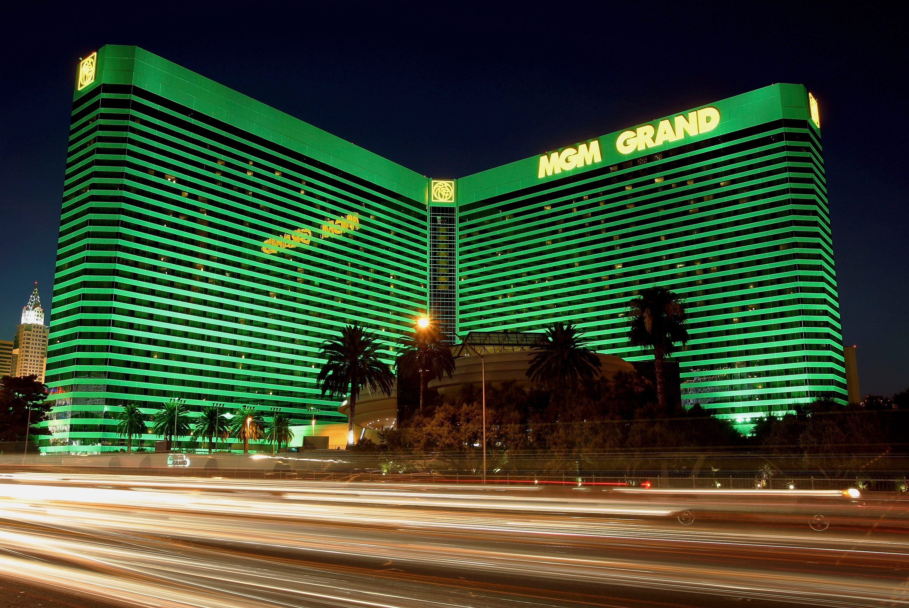 May 12, · MGM Resorts International has released a seven-point safety plan for reopening its U.S.casinos closed since March because of the coronavirus pandemic.The plan includes employee health screening.