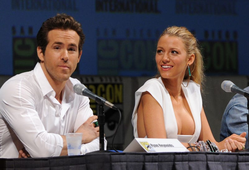 ryan reynolds and blake lively at comic con san diego in 2010