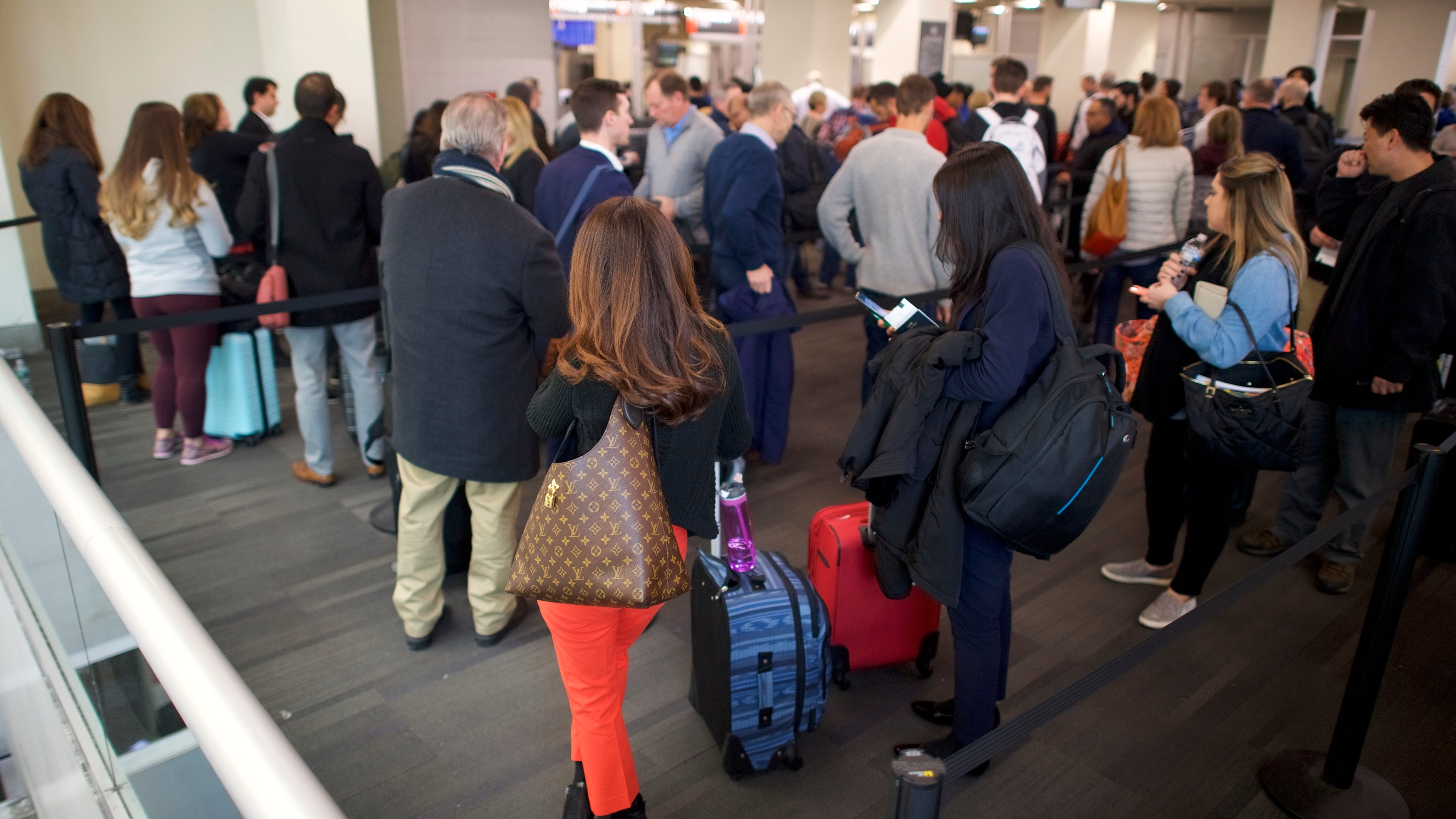 Philly airport in a hiring frenzy to keep up with increased travel