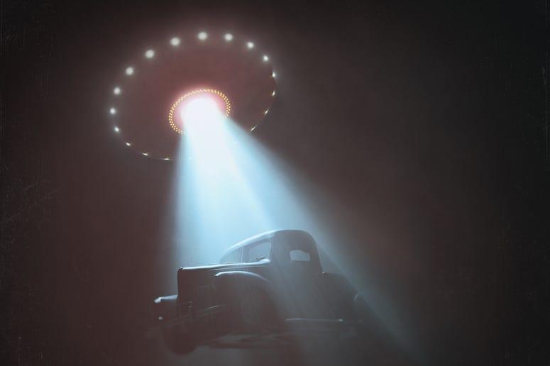 Alien Sighting, Abduction, Truck