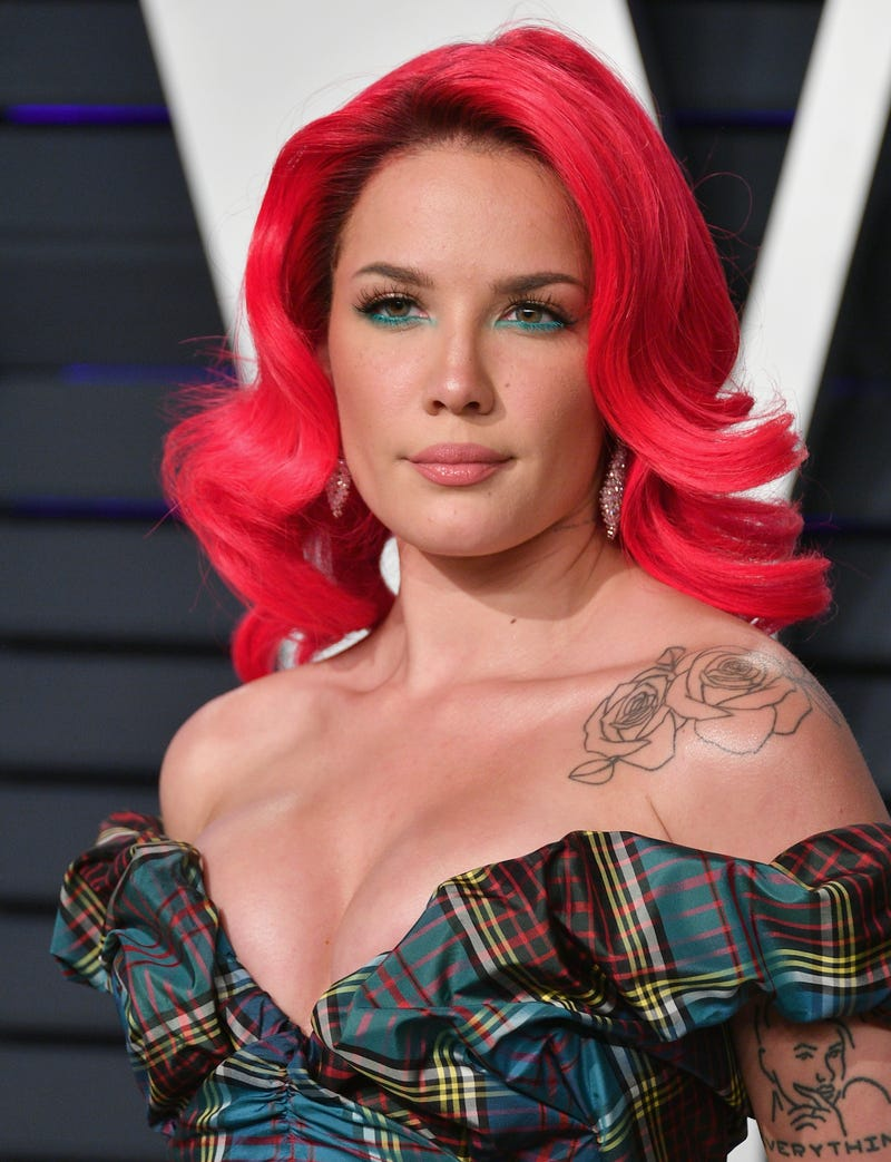halsey at the 2019 vanity fair oscar party