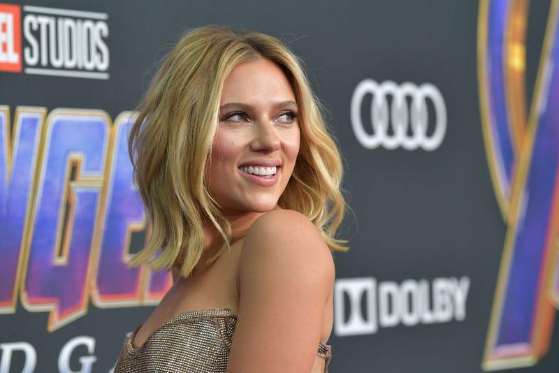 "Scarlett Johansson Is 'Pushing"" For An All-Female Marvel Movie"