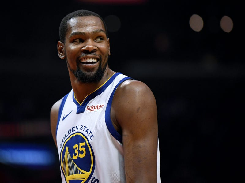 kevin durant smiling during game