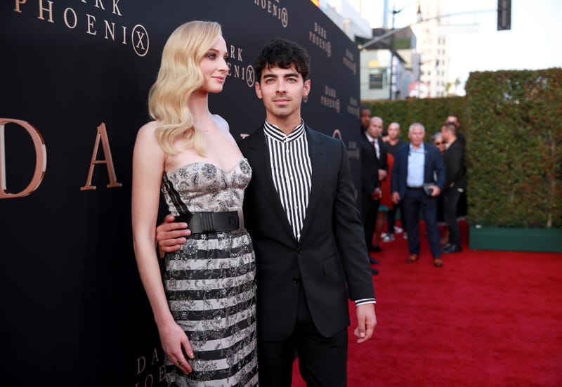 joe jonas and sophie turner at dark phoenix premiere