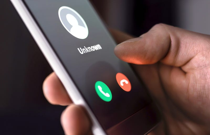 Unknown caller alert on a smartphone.