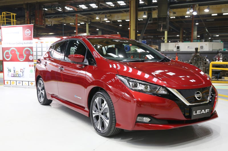 Nissan offers 99-cent leases for Leaf electric vehicle