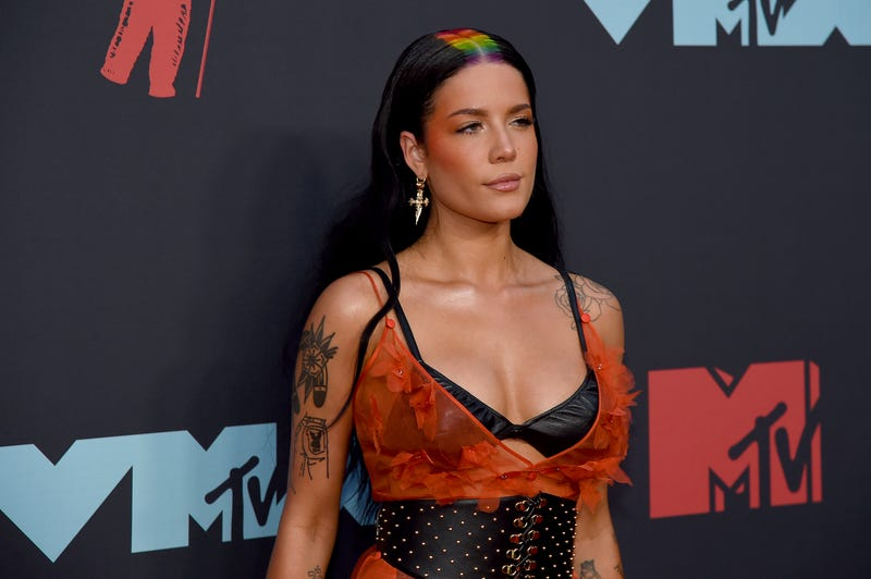 halsey with a rainbow strip hairstyle at the 2019 mtv vmas